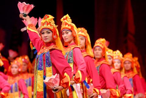 ... du lịch nổi tiếng thế giới với 10 di sản văn hóa phi vật thể được Tổ  chức Giáo dục, Khoa học và Văn hóa của Liên Hợp Quốc (UNESCO) vinh danh.
